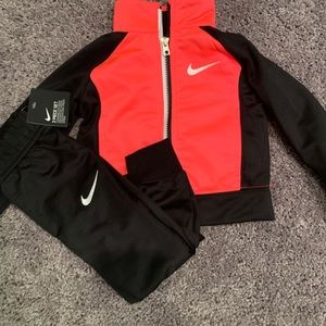 2T girls Nike outfit